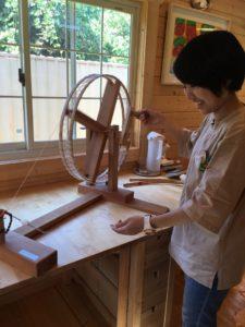 コージーコットンさんの綿糸紡ぎ